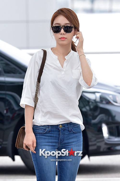 Yoo In Na at Incheon International Airport Heading to LA M.NET K-CON 2014key=>0 count19