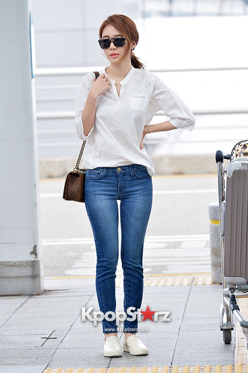 Yoo In Na at Incheon International Airport Heading to LA M.NET K-CON 2014key=>10 count19