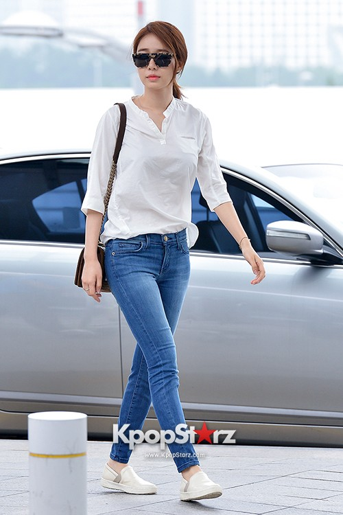 Yoo In Na at Incheon International Airport Heading to LA M.NET K-CON 2014key=>11 count19