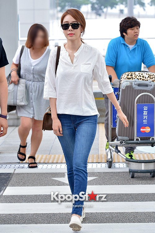 Yoo In Na at Incheon International Airport Heading to LA M.NET K-CON 2014key=>13 count19