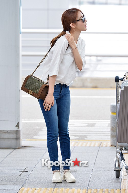 Yoo In Na at Incheon International Airport Heading to LA M.NET K-CON 2014key=>15 count19