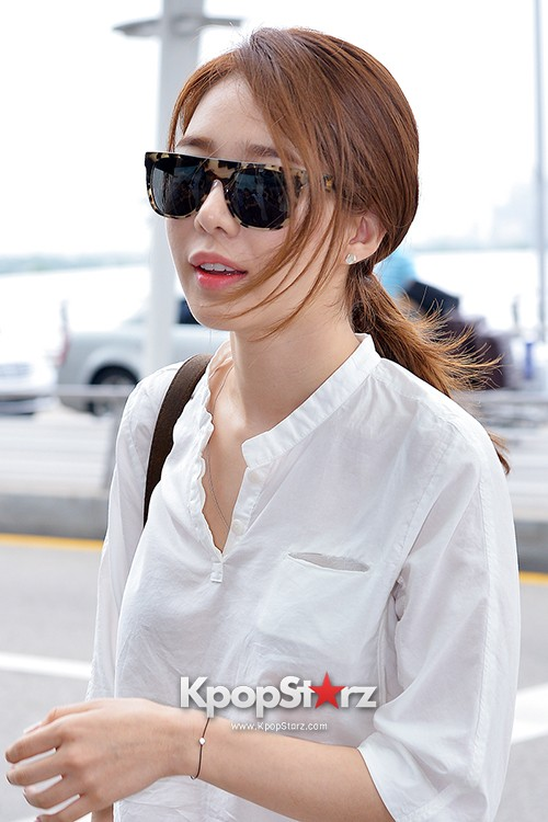 Yoo In Na at Incheon International Airport Heading to LA M.NET K-CON 2014key=>16 count19