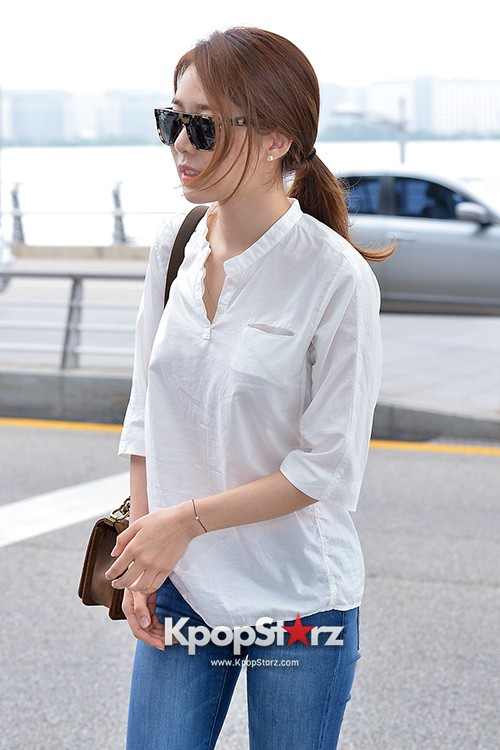 Yoo In Na at Incheon International Airport Heading to LA M.NET K-CON 2014key=>18 count19