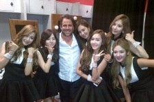 Girls' Generation Takes A Picture With Hollywood Director Brad Ratner
