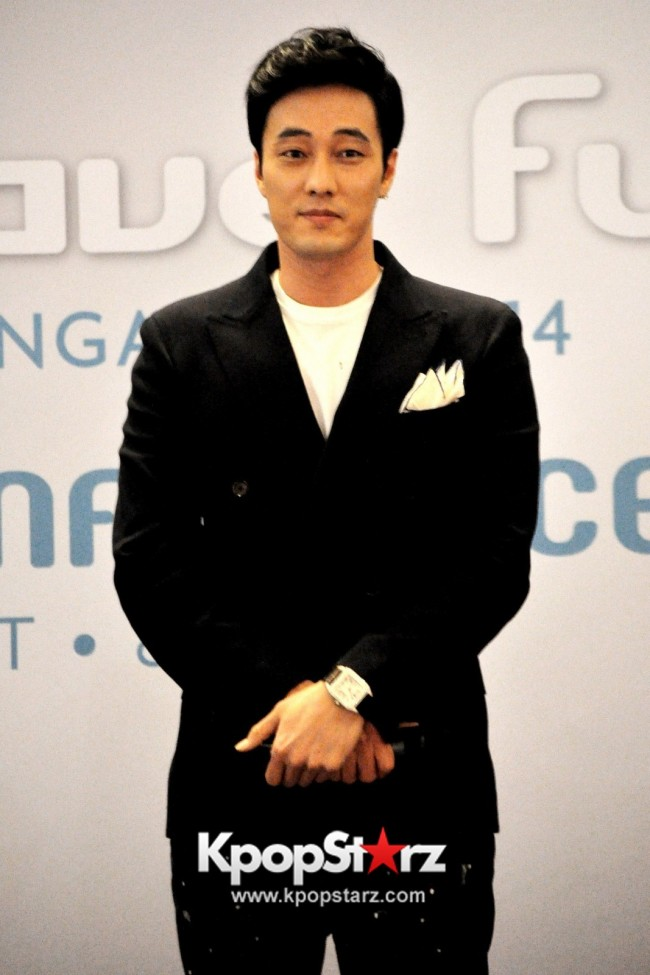 "Popular Korean Drama ""Master's Sun"" Actor So Ji Sub Reveals At Open Press Conference In Singapore, ""The Character I Played Is A Total Opposite Of Who I Am."" [PHOTOS]key=>2 count33"