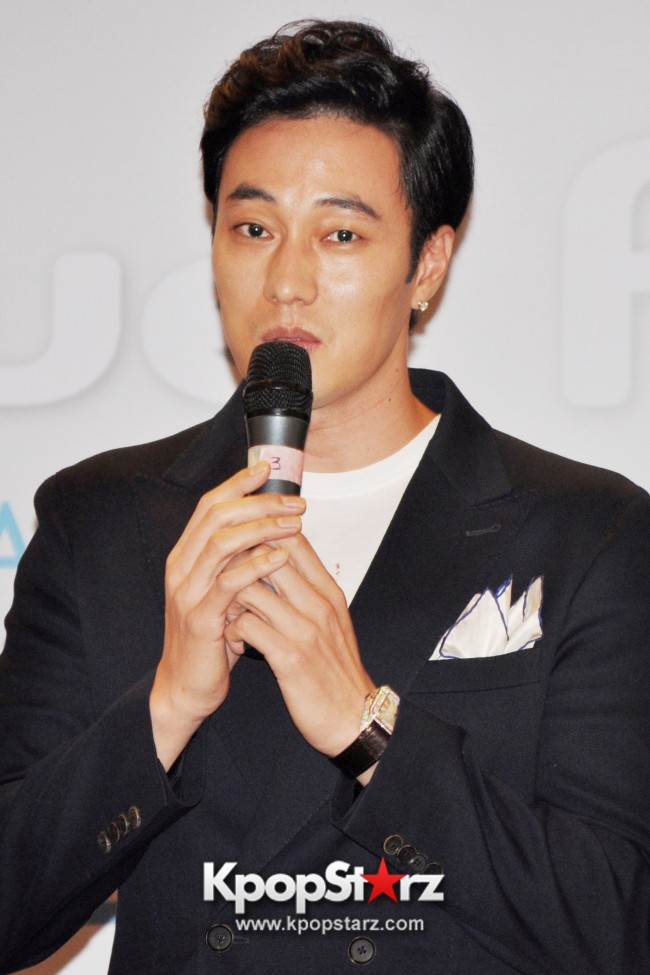"Popular Korean Drama ""Master's Sun"" Actor So Ji Sub Reveals At Open Press Conference In Singapore, ""The Character I Played Is A Total Opposite Of Who I Am."" [PHOTOS]key=>6 count33"