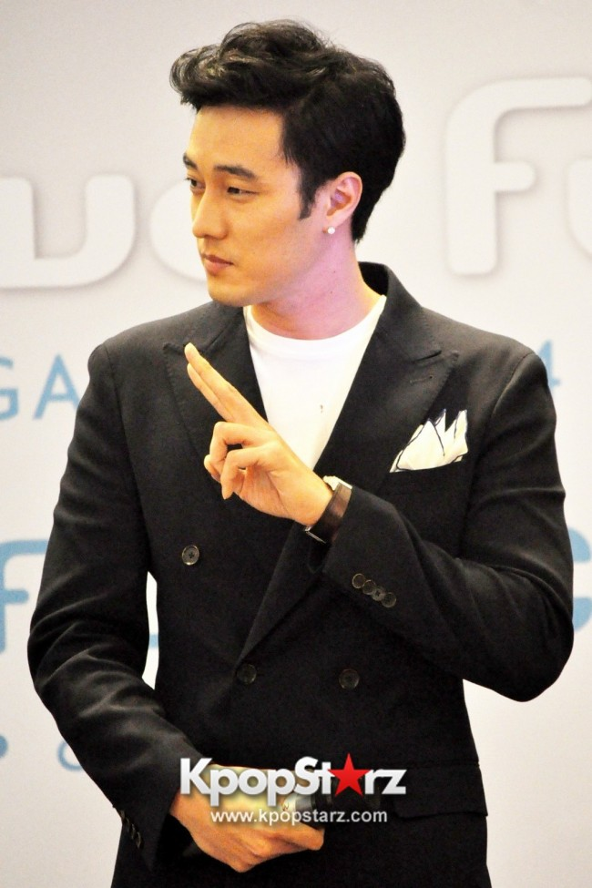 "Popular Korean Drama ""Master's Sun"" Actor So Ji Sub Reveals At Open Press Conference In Singapore, ""The Character I Played Is A Total Opposite Of Who I Am."" [PHOTOS]key=>7 count33"