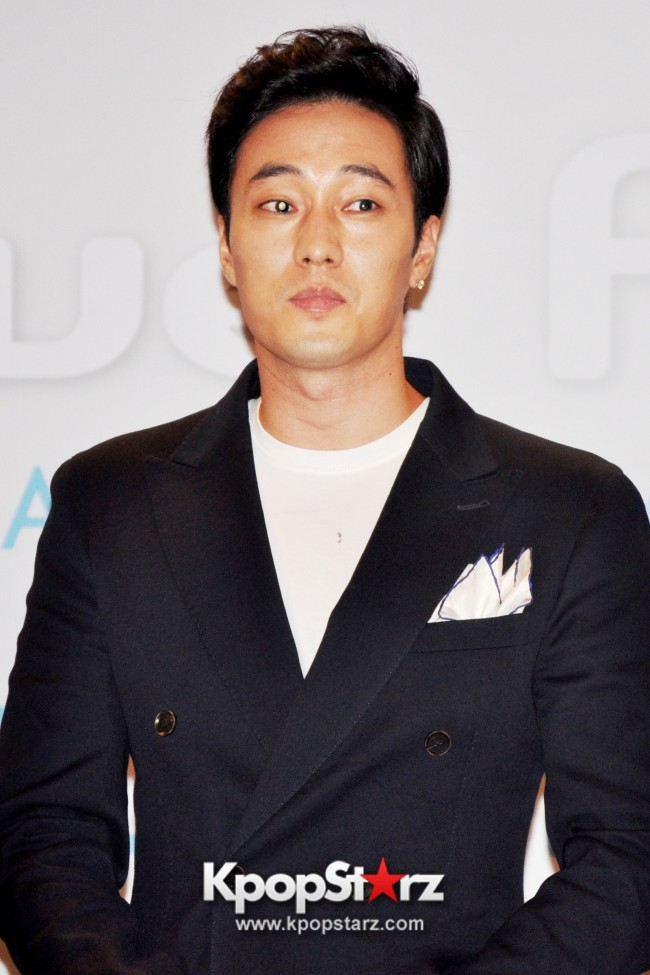 "Popular Korean Drama ""Master's Sun"" Actor So Ji Sub Reveals At Open Press Conference In Singapore, ""The Character I Played Is A Total Opposite Of Who I Am."" [PHOTOS]key=>29 count33"
