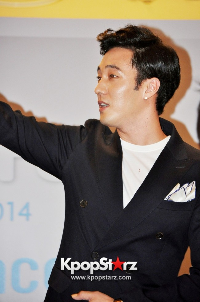 "Popular Korean Drama ""Master's Sun"" Actor So Ji Sub Reveals At Open Press Conference In Singapore, ""The Character I Played Is A Total Opposite Of Who I Am."" [PHOTOS]key=>30 count33"