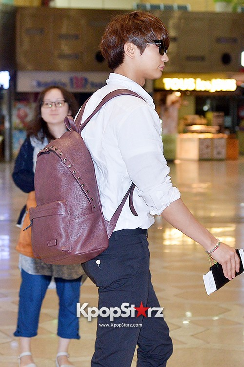 SHINee's Minho at Gimpo Airport Heading to Japan for a Fan Meetingkey=>2 count9