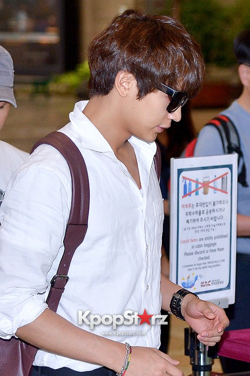 SHINee's Minho at Gimpo Airport Heading to Japan for a Fan Meetingkey=>4 count9