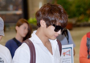 SHINee's Minho at Gimpo Airport Heading to Japan for a Fan Meeting