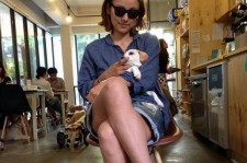 lee hyori puppy in arms