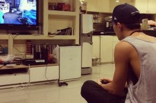 bobby playing games and eating chicken