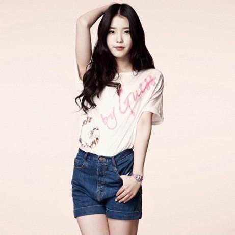 IU #1 on Billboard's K-pop Chart for 4 Consecutive  Weeks