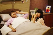 'Big' Shin Won Ho Finally Wakes Up From Coma to Take a Picture With miss A's Suzy