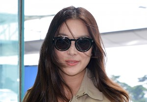 Ko So Young at Incheon Airport to Attend Burberry Prorsum 2015 SS Collection Fashion Show