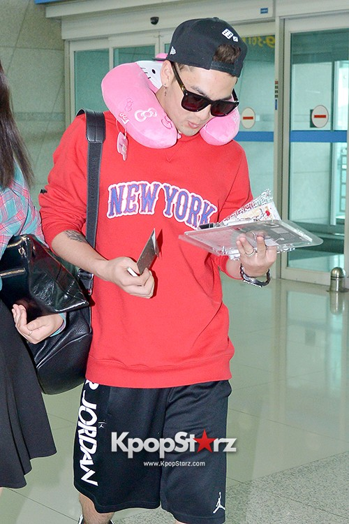 NU'EST at ICN Airport Heading to Mexico key=>10 count16