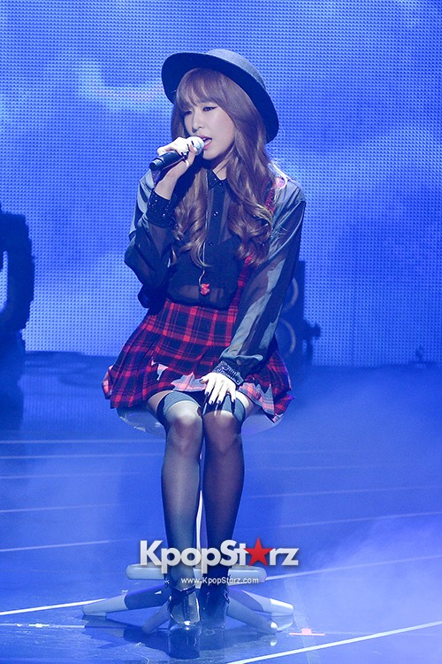 Girls' Generation TTS[TaeTiSeo] 2nd Mini Album 'Holler' Comeback Showcase - Baby Steps key=>2 count9