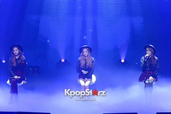 Girls' Generation TTS[TaeTiSeo] 2nd Mini Album 'Holler' Comeback Showcase - Baby Steps key=>6 count9