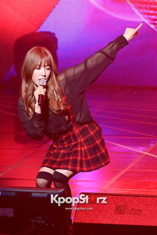 Girls' Generation TTS[TaeTiSeo] 2nd Mini Album 'Holler' Comeback Showcase - Stay key=>10 count15
