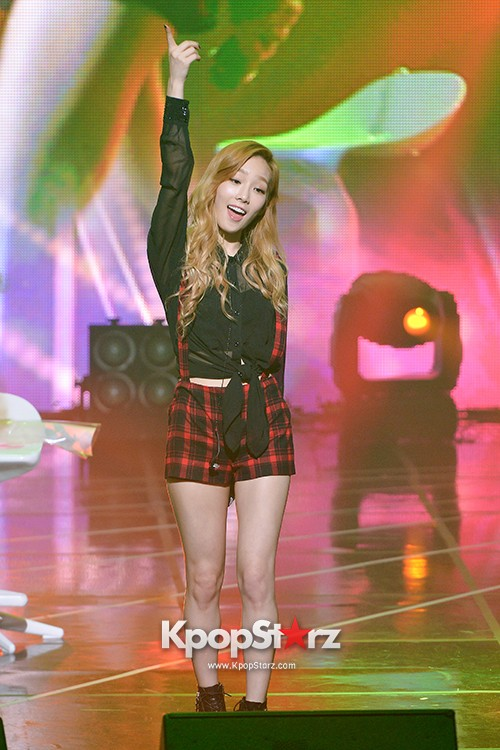 Girls' Generation TTS[TaeTiSeo] 2nd Mini Album 'Holler' Comeback Showcase - Stay key=>13 count15