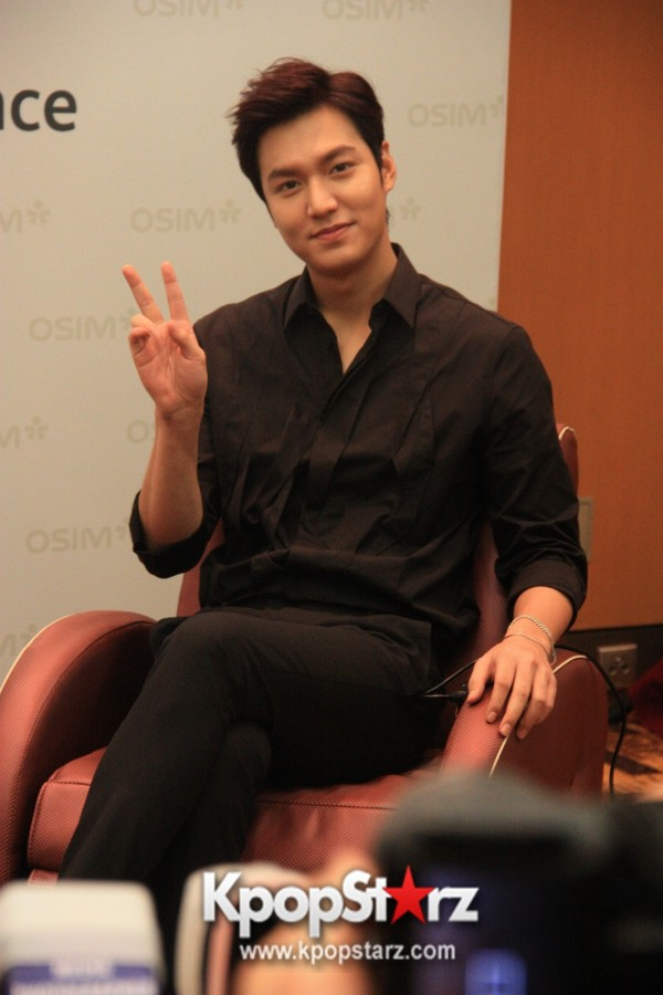 Lee Min Ho Attends Fan Meet & Greet Session with OSIM uDiva in Malaysia - Sept 28, 2014 [PHOTOS]key=>2 count25