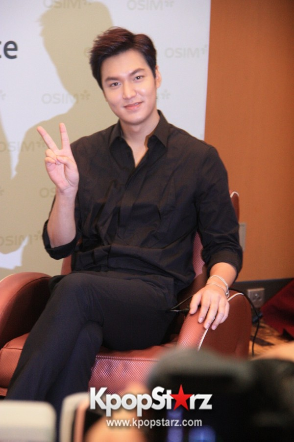 Lee Min Ho Attends Fan Meet & Greet Session with OSIM uDiva in Malaysia - Sept 28, 2014 [PHOTOS]key=>3 count25