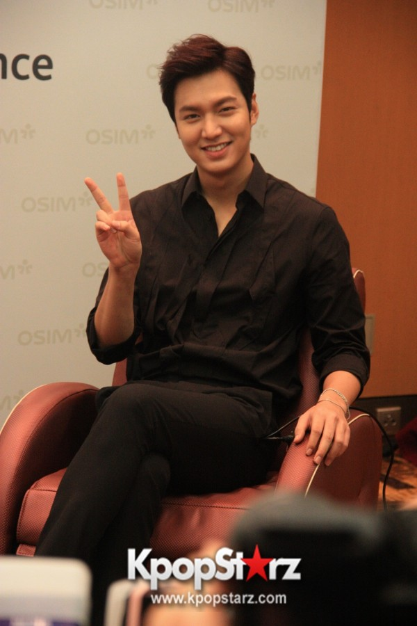Lee Min Ho Attends Fan Meet & Greet Session with OSIM uDiva - Sept 28, 2014 [PHOTOS]key=>4 count25