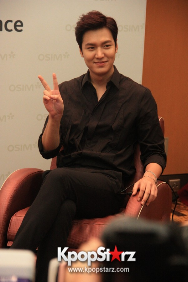 Lee Min Ho Attends Fan Meet & Greet Session with OSIM uDiva in Malaysia - Sept 28, 2014 [PHOTOS]key=>5 count25