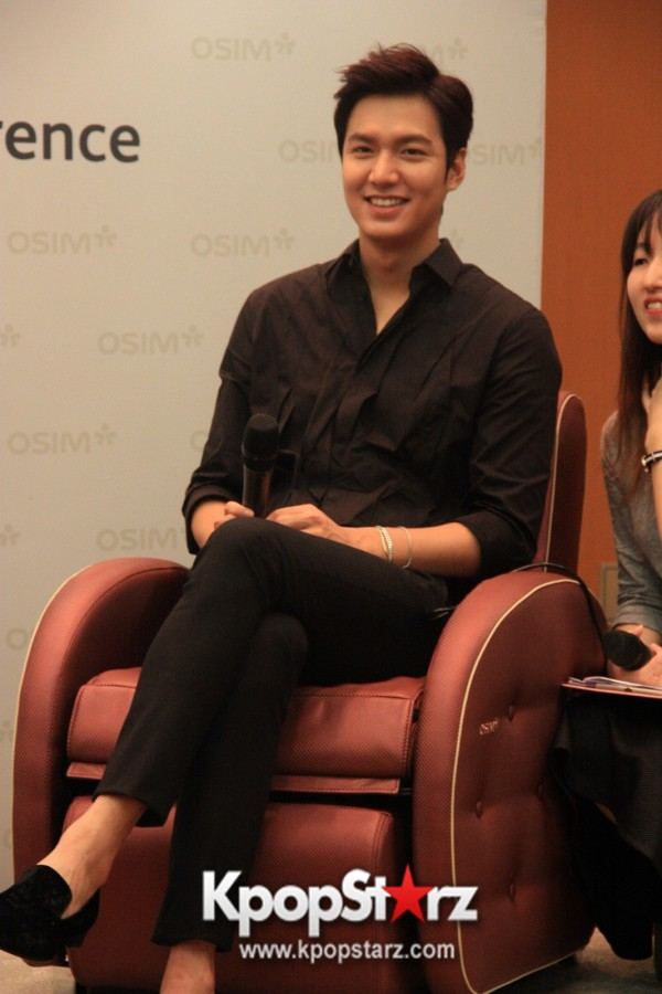 Lee Min Ho Attends Fan Meet & Greet Session with OSIM uDiva in Malaysia - Sept 28, 2014 [PHOTOS]key=>7 count25