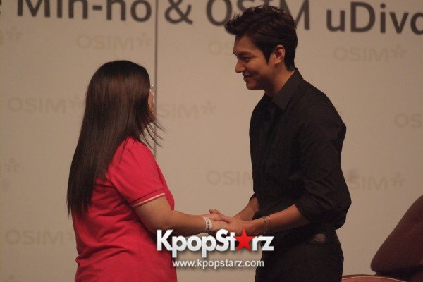Lee Min Ho Attends Fan Meet & Greet Session with OSIM uDiva in Malaysia - Sept 28, 2014 [PHOTOS]key=>19 count25