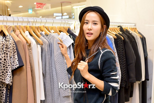 Jo Yeo Jung Visits Lotte Department Store 2econd Floor key=>9 count11