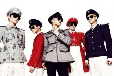 Shinee everybody military concept