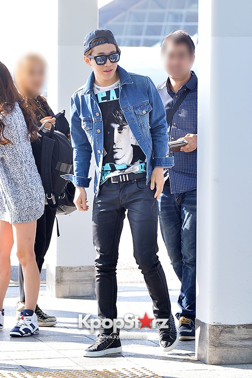Henry at ICN Departing to Taiwan for Samsung Charity Concert key=>8 count27