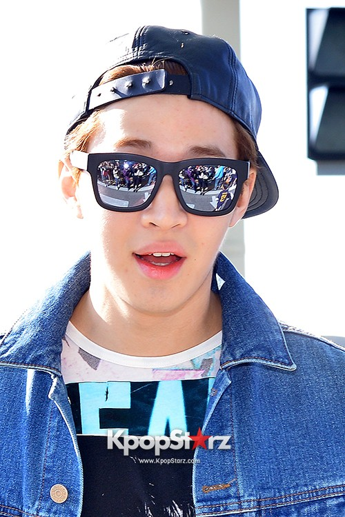 Henry at ICN Departing to Taiwan for Samsung Charity Concert key=>26 count27