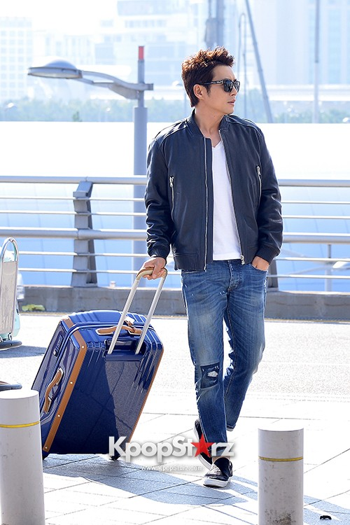 Joo Sang Wook at ICN Departing to Thailand for Cunning Single Lady Promotionskey=>1 count13