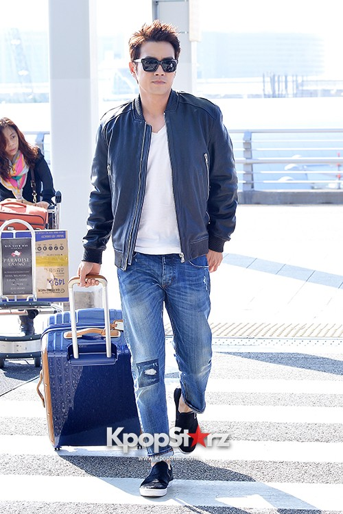 Joo Sang Wook at ICN Departing to Thailand for Cunning Single Lady Promotionskey=>5 count13
