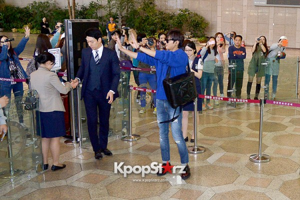 Lee Min Ho at Gimpo Airport Heading to Japan for RE:MINHO Global Tour key=>3 count7
