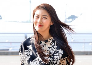Ha Ji Won at Incheon Airport Heading to Taiwan