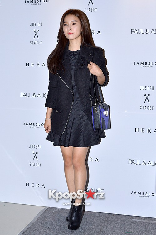 Kim So Eun and Oh Cho Hee at 2015 SS Seoul Fashion Week, Joo Ho Sunkey=>2 count27