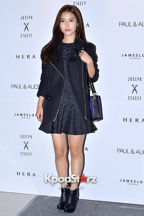 Kim So Eun and Oh Cho Hee at 2015 SS Seoul Fashion Week, Joo Ho Sunkey=>3 count27