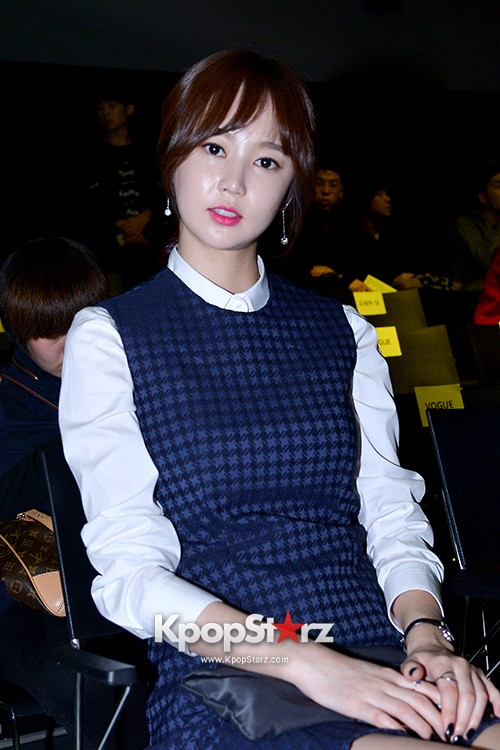 Kim So Eun and Oh Cho Hee at 2015 SS Seoul Fashion Week, Joo Ho Sunkey=>23 count27
