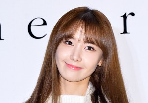 Girls Generation[SNSD] Yoona Attends Theory Flagship Store 2nd Anniversary Event