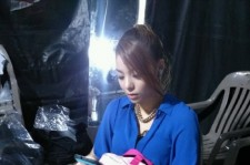 Ailee Reveals a Rare Behind-the-Stage Photo