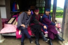 Song Seung Heon with JYJ Jaejoong