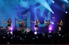 KARA-Jay Park's Exciting Performance for 16,000 at 'MTV World Stage Live in Malaysia'