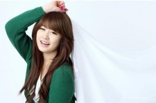 T-ARA's Jiyeon Flaunts Innocent Beauty in Green Cardigan and Lovely Skirt