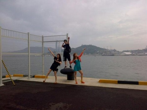 f(x) Explores the Yeosu Sea Before Attending the Yeosu Expo Festivalkey=>0 count1