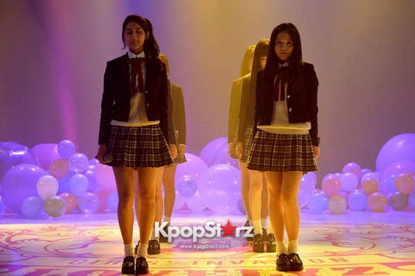 Woollim Entertainment's New Girl Group Lovelyz Attends the Debut Showcase (Performance)key=>17 count40